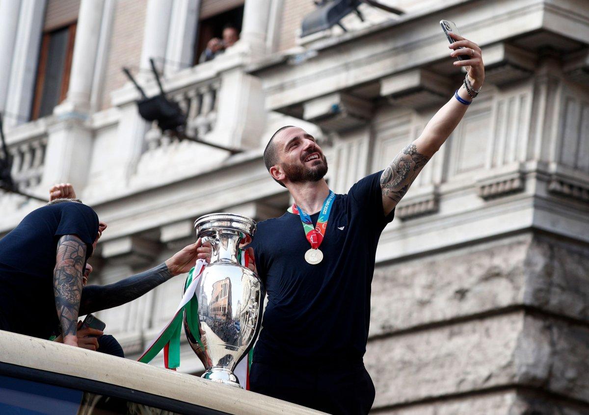 Şampiyon İtalya, Roma da şampiyonluk turu attı #3