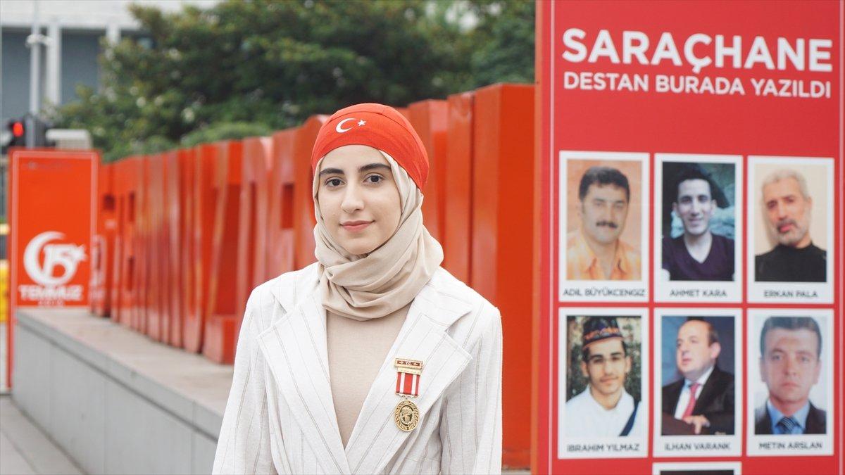 15 Temmuz da 14 yaşındaki kız, kolundan aldığı kurşunla gazi oldu #4