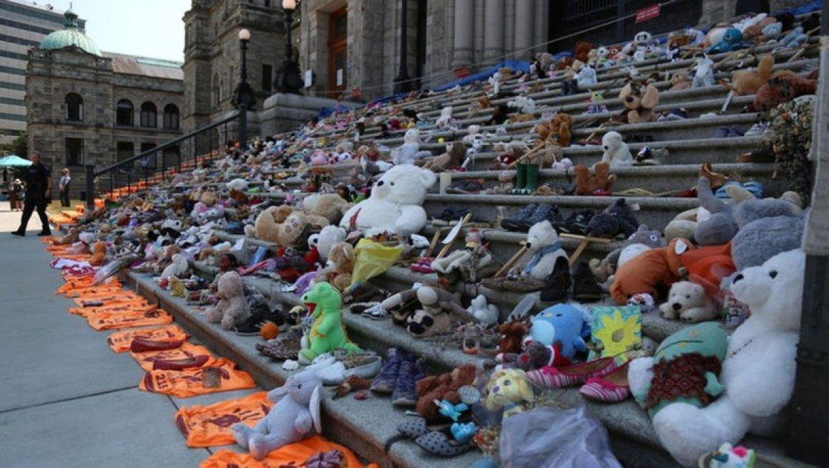Kanada da 160'dan fazla isimsiz çocuk mezarı bulundu #3