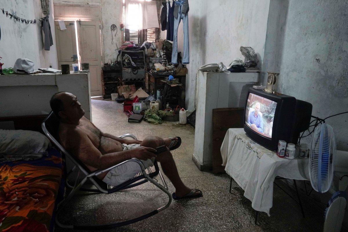 Küba da hükümeti protesto edenler gözaltına alındı #2