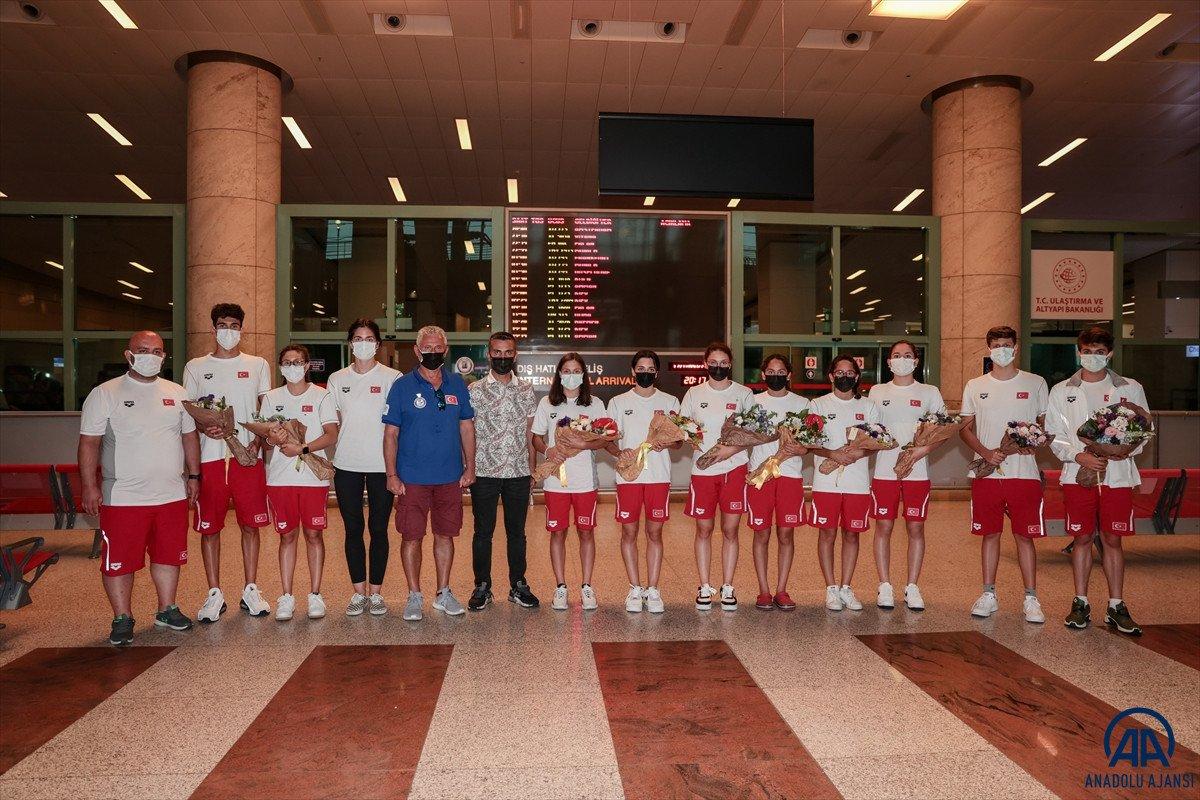 Avrupa Gençler Yüzme Şampiyonası nda 15 madalya kazanan milli takım yurda döndü #6
