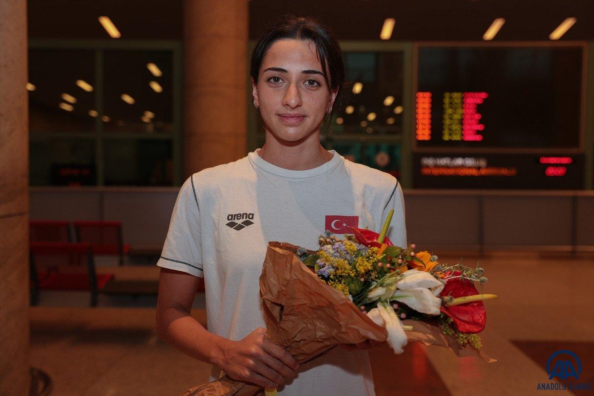 Avrupa Gençler Yüzme Şampiyonası nda 15 madalya kazanan milli takım yurda döndü #7