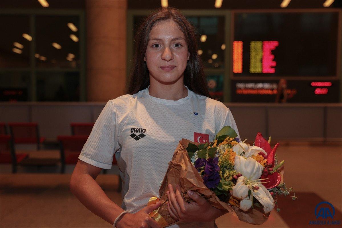 Avrupa Gençler Yüzme Şampiyonası nda 15 madalya kazanan milli takım yurda döndü #3