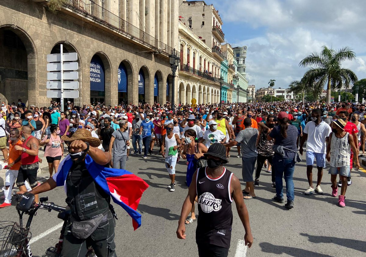 Küba da hükümeti protesto edenler gözaltına alındı #4