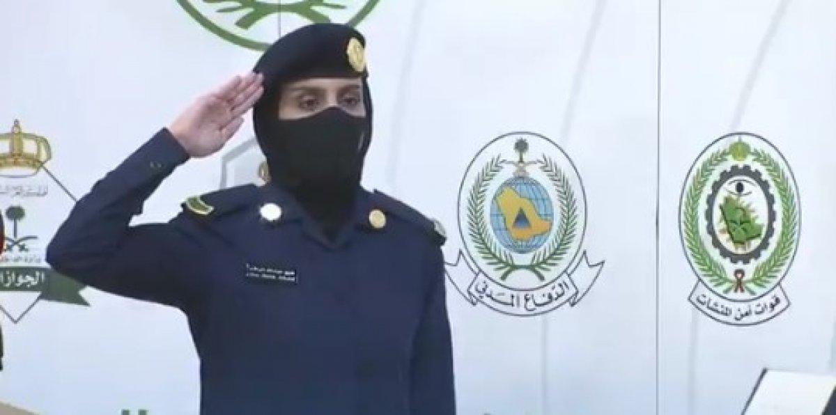 Suudi Arabistan'da ilk kez kadın bir asker basın toplantısı düzenledi #3