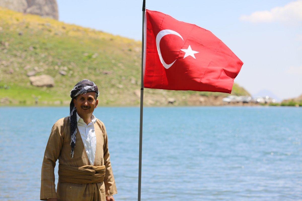 Terörden temizlenen Çarçel Yaylası'nda, Türk bayrakları ile halay çekildi  #5
