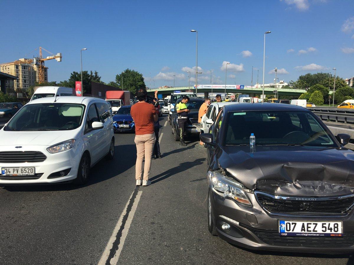Belçika'dan İstanbul'a bir günlüğüne geldi, kiraladığı araçla kaza yaptı #3
