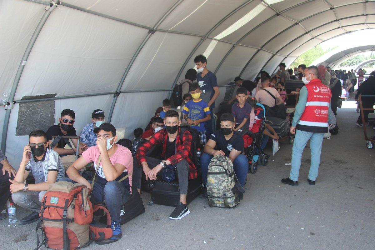 9 günde 18 bin Suriyeli ülkesine döndü  #3