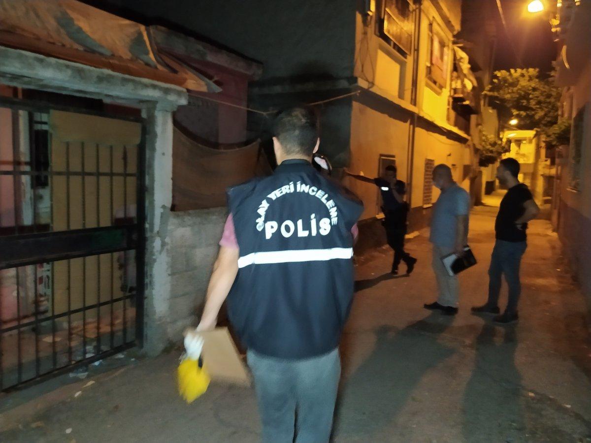 Adana da polisin yanında havaya ateş açanlar yakalandı #2