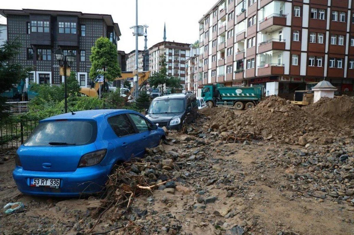 Rize de sel felaketi nedeniyle hayatını kaybedenlerin sayısı #1