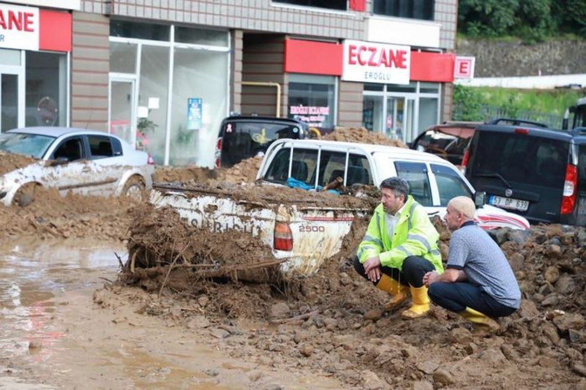 Rize de sel felaketi nedeniyle hayatını kaybedenlerin sayısı #10