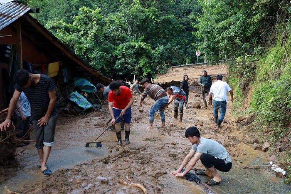 Rize de sel felaketi nedeniyle hayatını kaybedenlerin sayısı #8