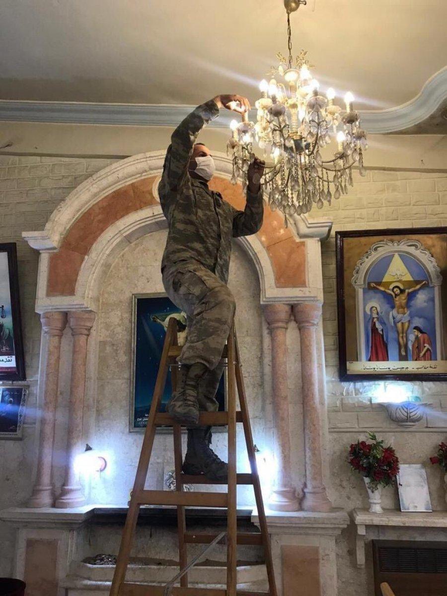 TSK, Rasulayn daki Martuma Süryani Ortodoks Kilisesi ni onardı #1
