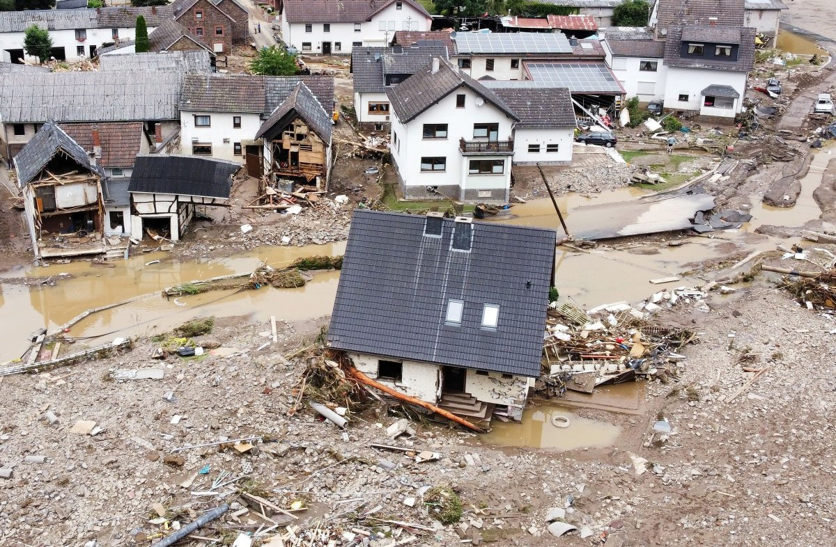 Almanya da sel felaketinin bilançosu #18