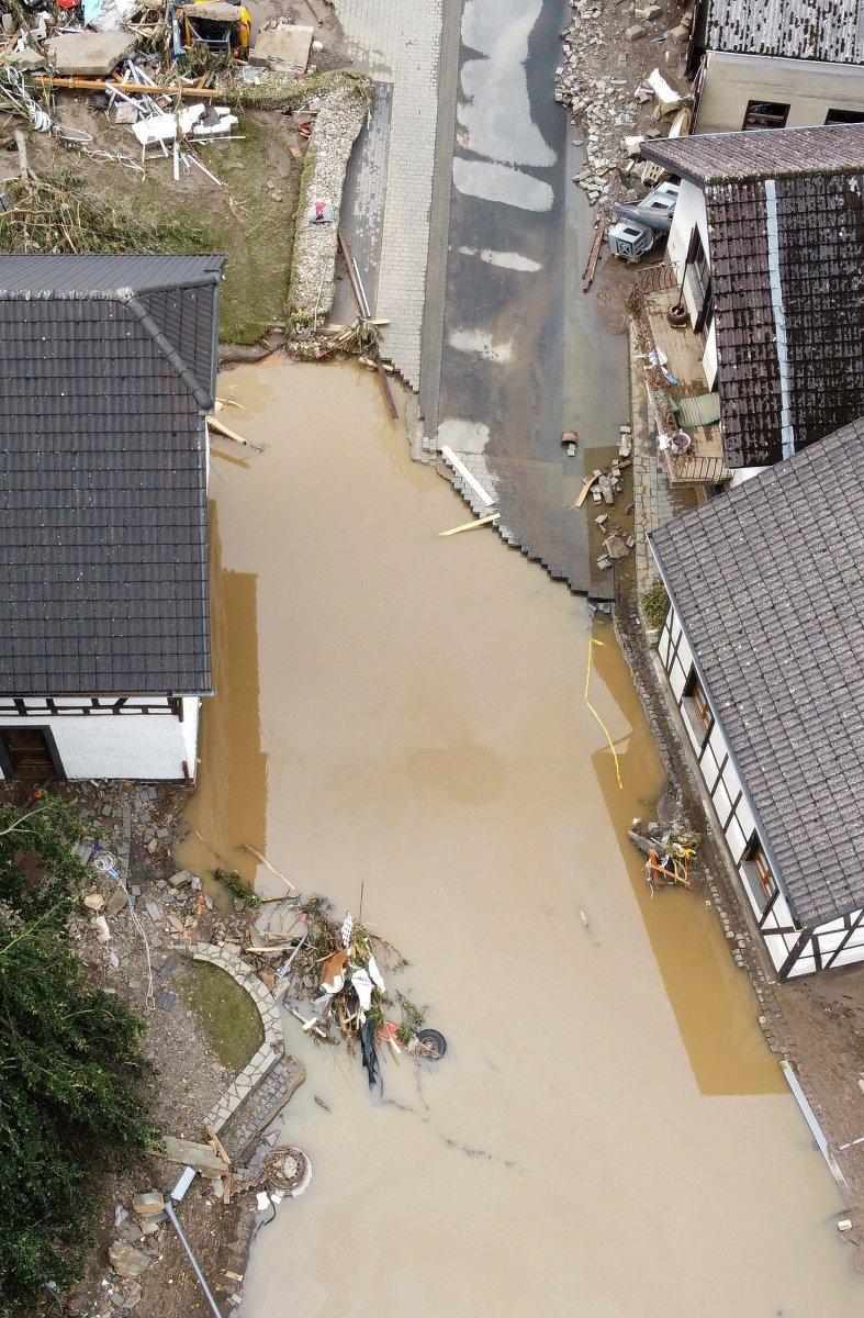 Almanya da sel felaketinin bilançosu #21