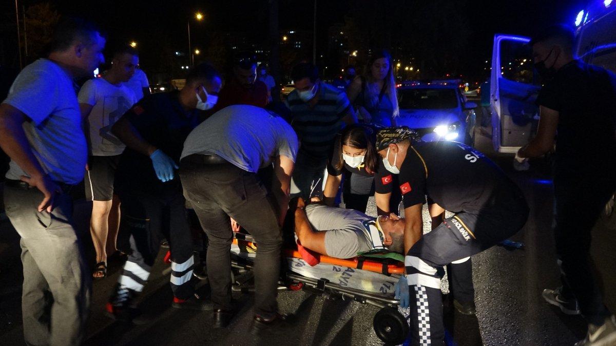 Antalya da yardım ettiği kazazede ağabeyi çıktı #2