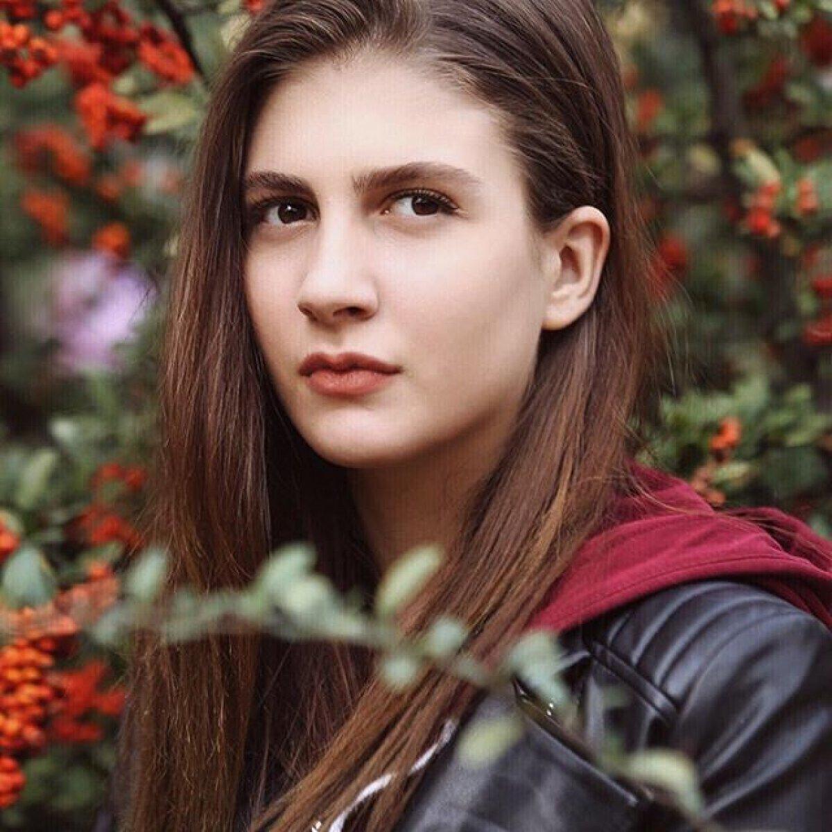 Naz Çağla Irmak yeni filmi için saçlarını kazıttı  #4