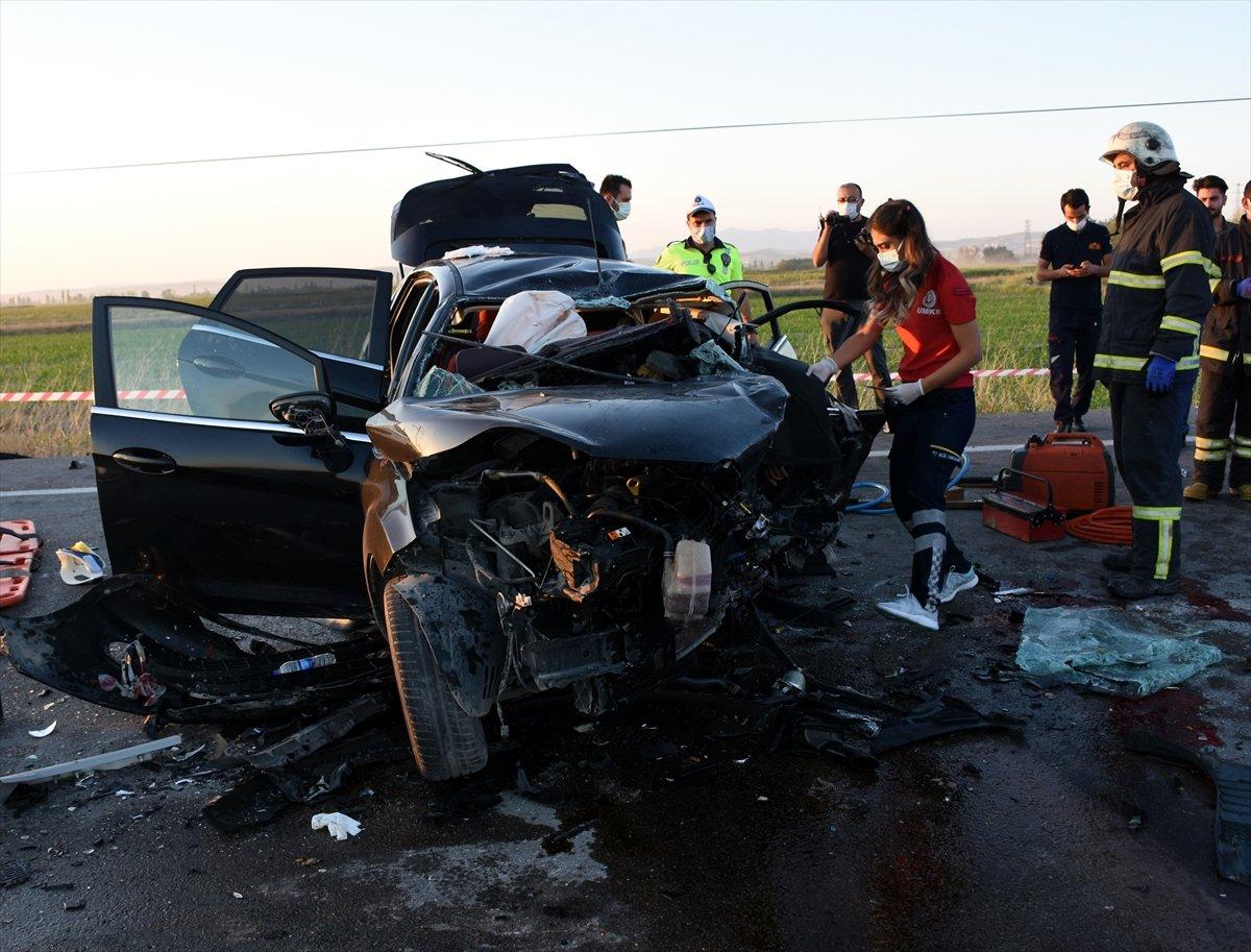 Aksaray da gurbetçinin aracı konvoydaki araçlarla çarpıştı: 2 ölü 6 yaralı #3