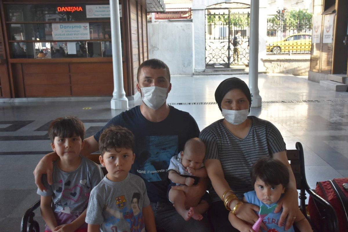 İzmir de tatilcilerin tercihi tren oldu #6