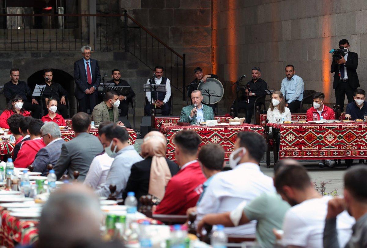 Cumhurbaşkanı Erdoğan, Erzurum da gençlerle buluştu #2