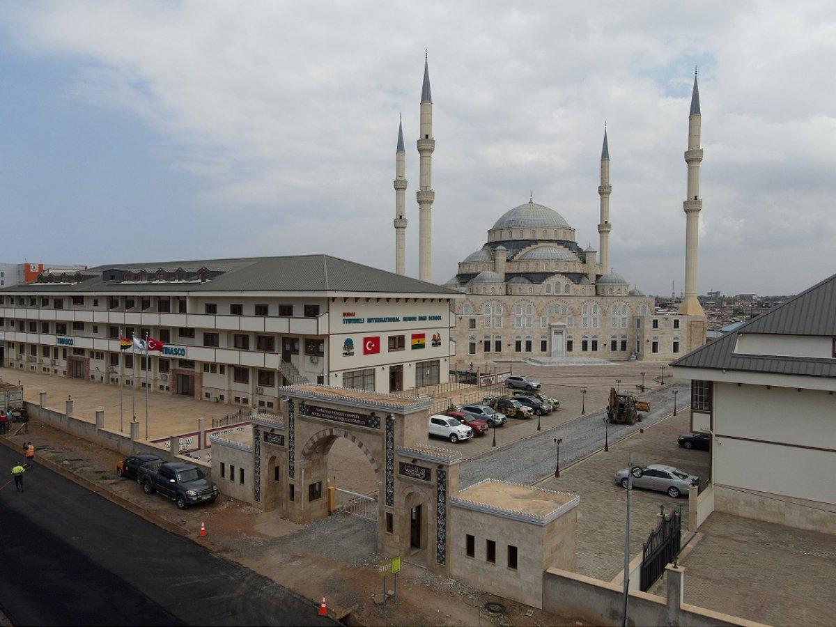 Türkiye nin inşa ettiği Gana Millet Cami ve Külliyesi ibadete açıldı #5
