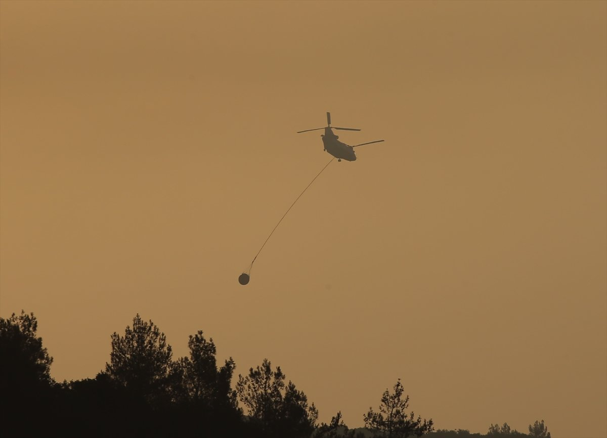Mersin ve Hatay daki orman yangınları sürüyor #1
