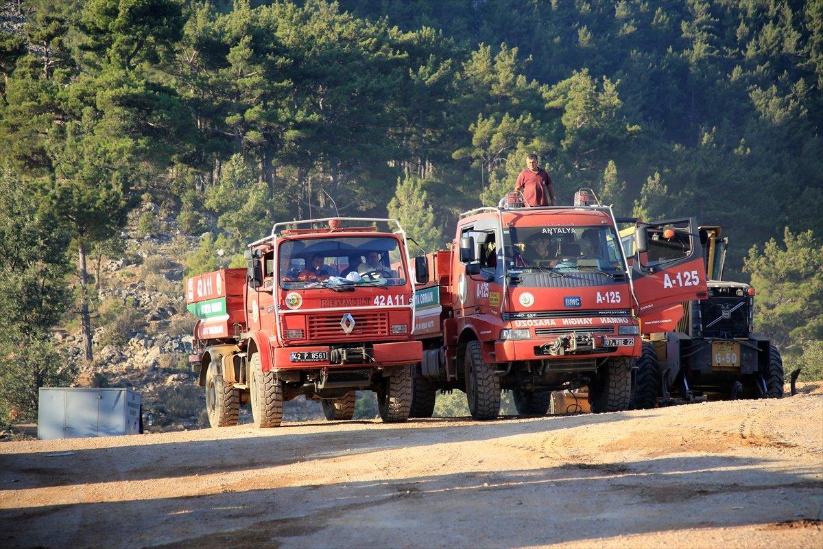 Mersin ve Hatay daki orman yangınları sürüyor #4