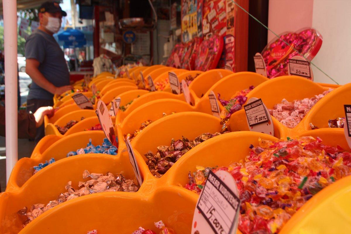 Bilecik te bayram öncesi şeker ve kuruyemişçilerde ilgi arttı #2