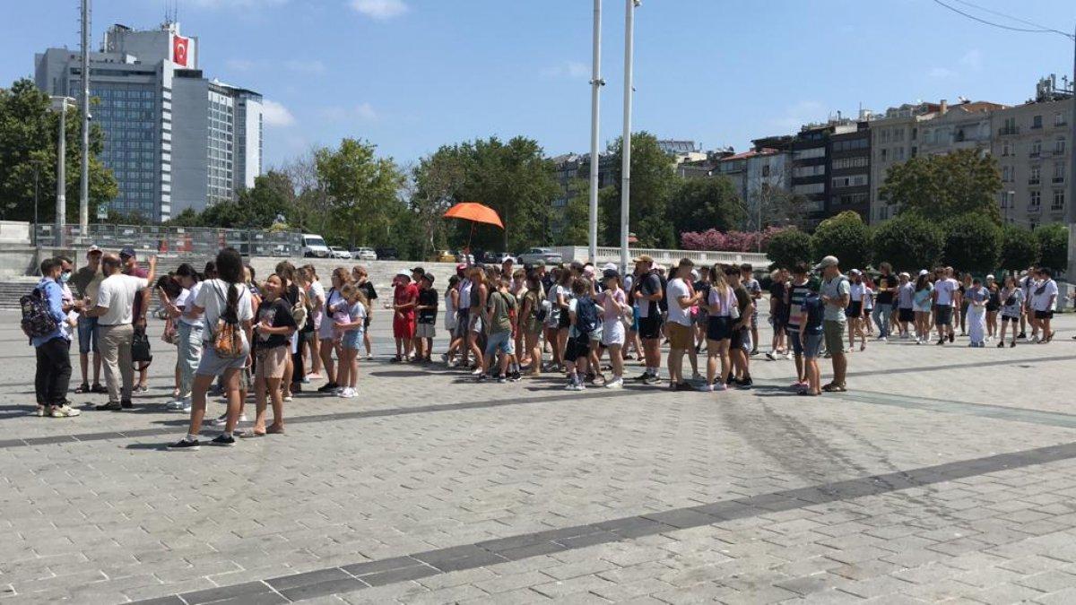 Taksim de turist yoğunluğu #5