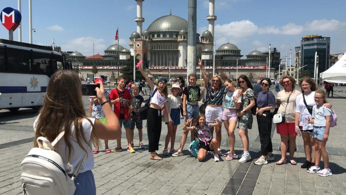 Taksim de turist yoğunluğu #3