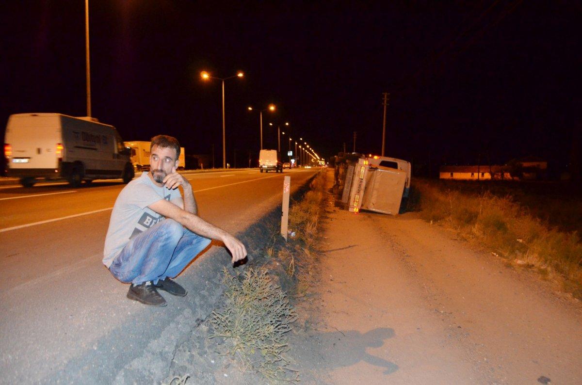Aksaray da tarım işçilerini taşıyan minibüs şarampole devrildi #4