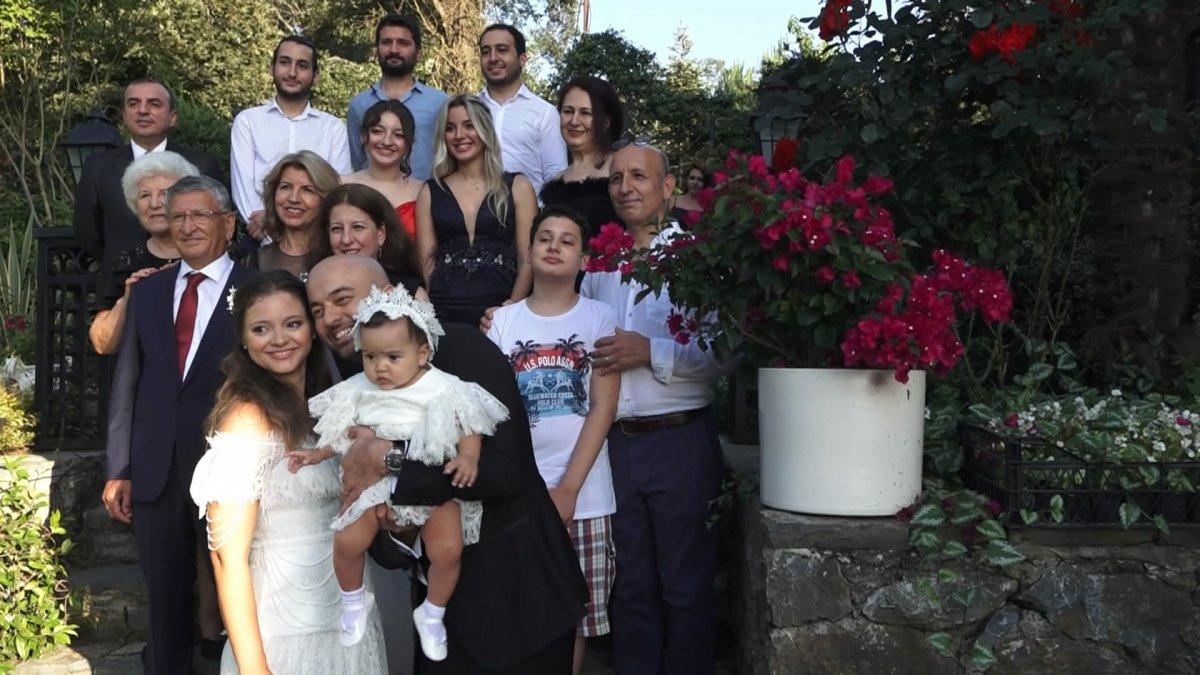 İstanbul da doktor çift düğünlerini 8 aylık kızlarıyla yaptı #3