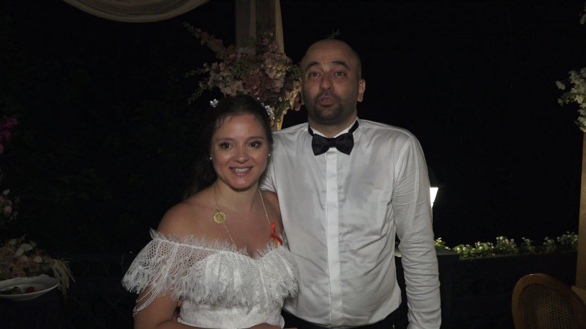 İstanbul da doktor çift düğünlerini 8 aylık kızlarıyla yaptı #7