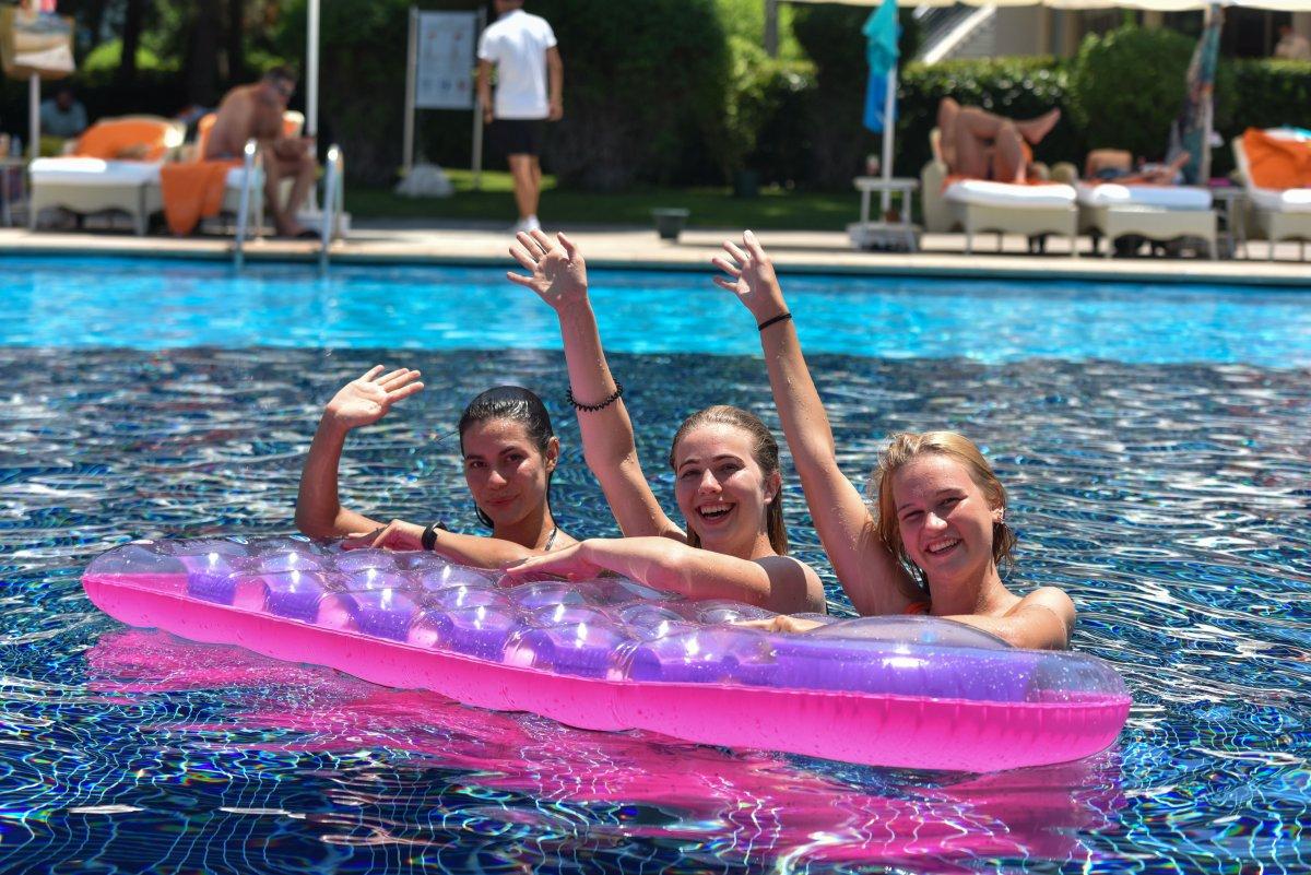Antalya da oteller, bayram öncesinde doldu #1