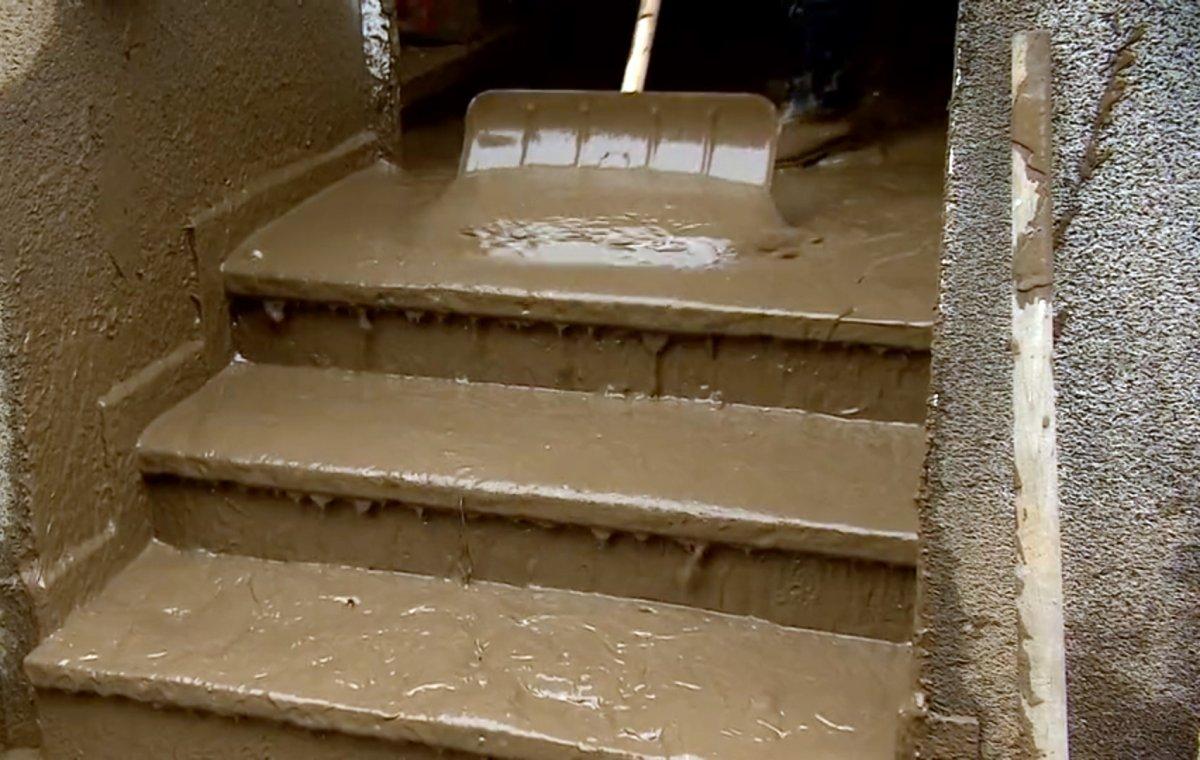 Avrupa da sel sonrası çamur temizliği #2