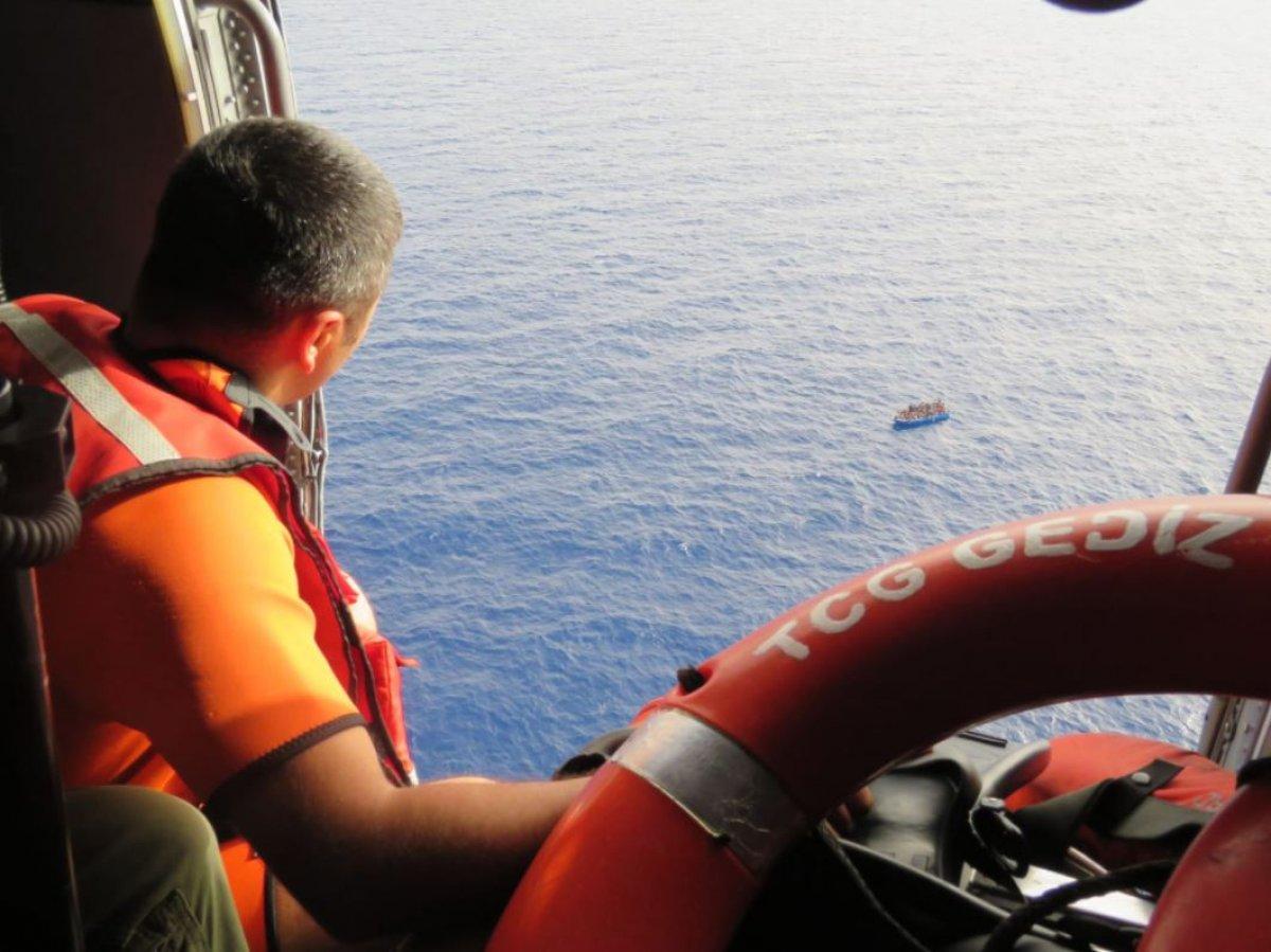 Tunus'a sürüklenen 80 düzensiz göçmen kurtarıldı  #2