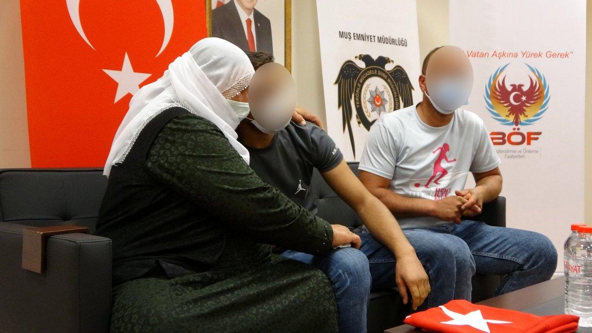 Muş'taki evlat nöbetinde ilk anne-oğul kavuşması #13