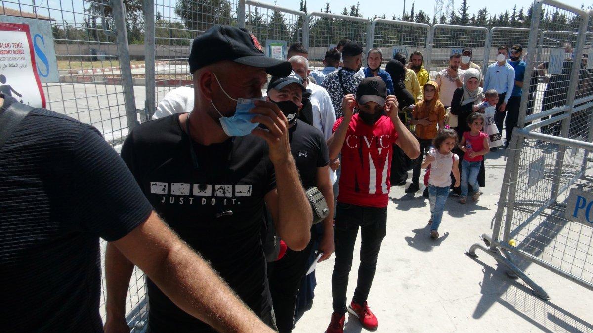 21 bin 500 Suriyeli bayram için ülkesine gitti  #4