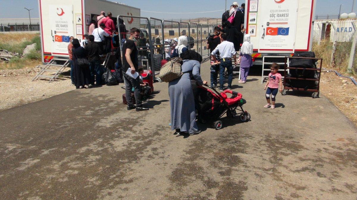 21 bin 500 Suriyeli bayram için ülkesine gitti  #8