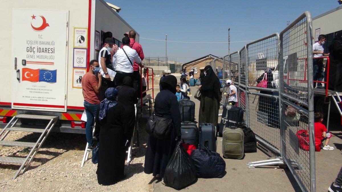 21 bin 500 Suriyeli bayram için ülkesine gitti  #3