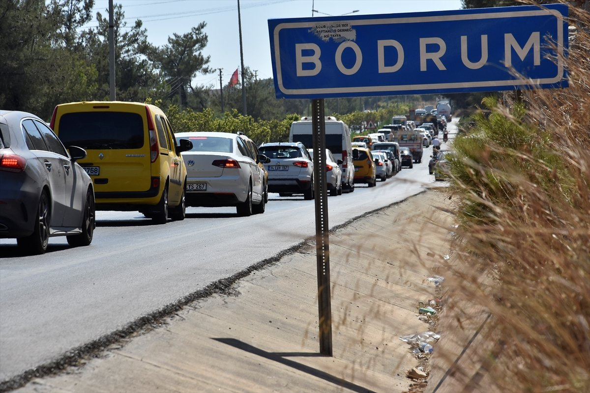 Tatil beldelerine akın akın göç devam ediyor #4