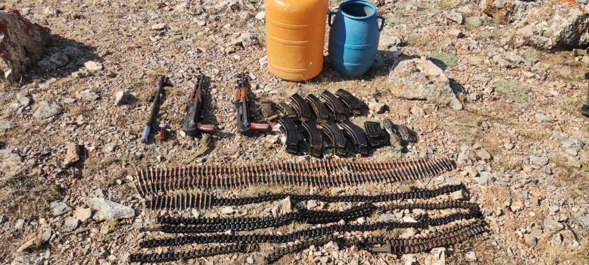 Van da PKK/KCK ya ait silah ve patlayıcılar ele geçirildi #1