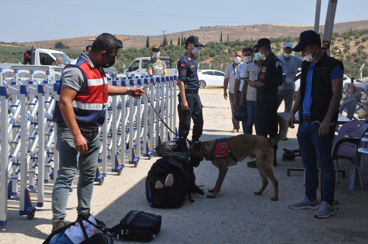 44 bin 220 Suriyeli bayram için ülkesine gitti  #8