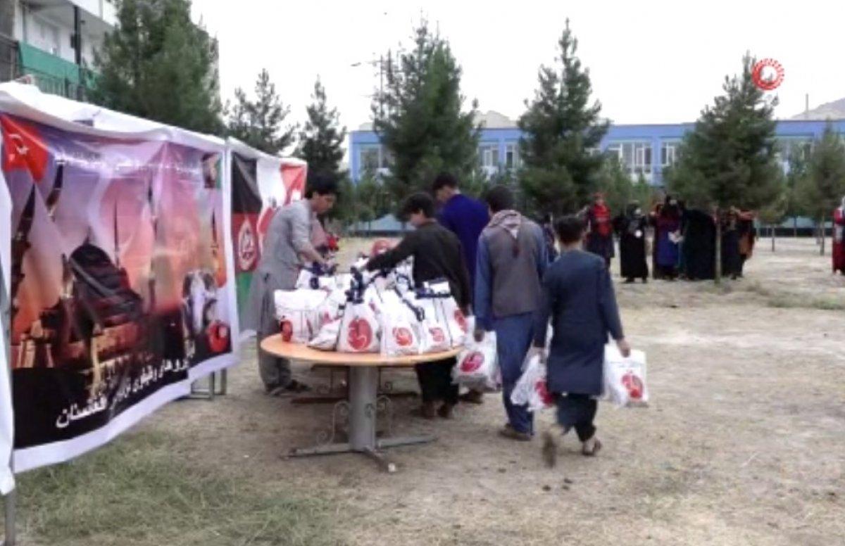 Mehmetçik, Afganistan'daki ihtiyaç sahibi 700 aileye kurban eti dağıttı #2