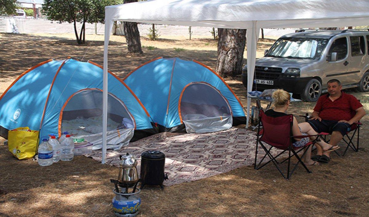 Doğayla iç içe tatil yapmak isteyenler kamp alanlarını doldurdu  #1
