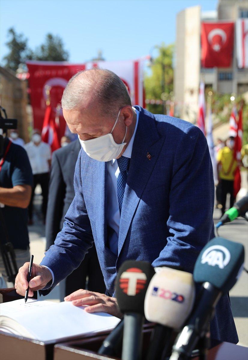 Cumhurbaşkanı Erdoğan, Kıbrıs ta düzenlenen törene katıldı #7