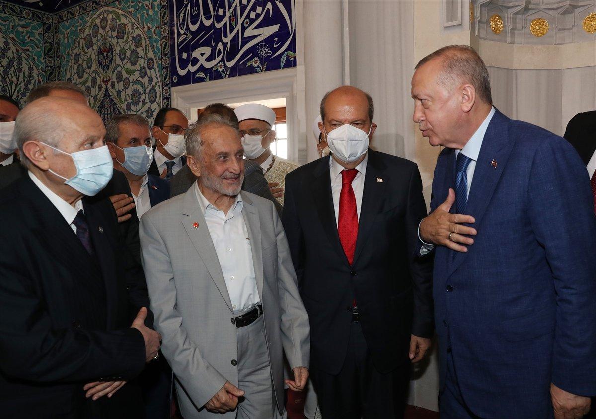 Cumhurbaşkanı Erdoğan, Kurban Bayramı namazını KKTC de kıldı #9