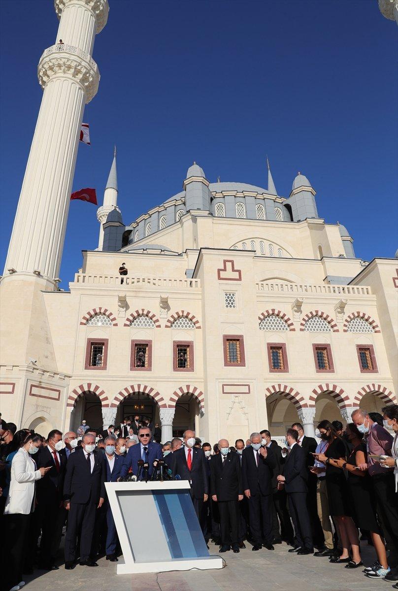 Cumhurbaşkanı Erdoğan, Kurban Bayramı namazını KKTC de kıldı #13