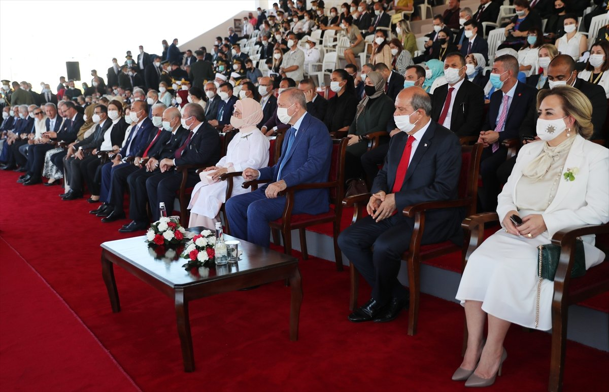 Cumhurbaşkanı Erdoğan, Kıbrıs ta düzenlenen törene katıldı #3
