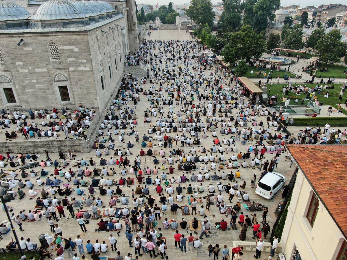 İstanbul un camilerinde Kurban Bayramı coşkusu #4